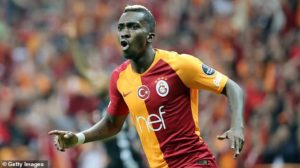 Henry Onyekuru set to leave Everton and join Monaco in £13.7m deal