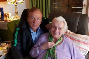 Super Eagles Head Coach to bury his mum next week