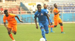 Enyimba FC defender Emmanuel Ampiah donates training kits to childhood club Top Rankers