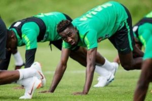 Rohr urged to begin search for Wilfred Ndidi's replacement