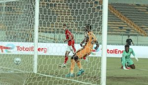Al-Ahly beats Akpeyi's Kaizer Chiefs go lift their 10th CAF Champions league trophy